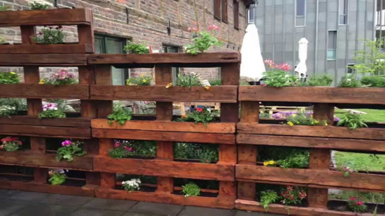 Garden Wall with Pallet Wood
