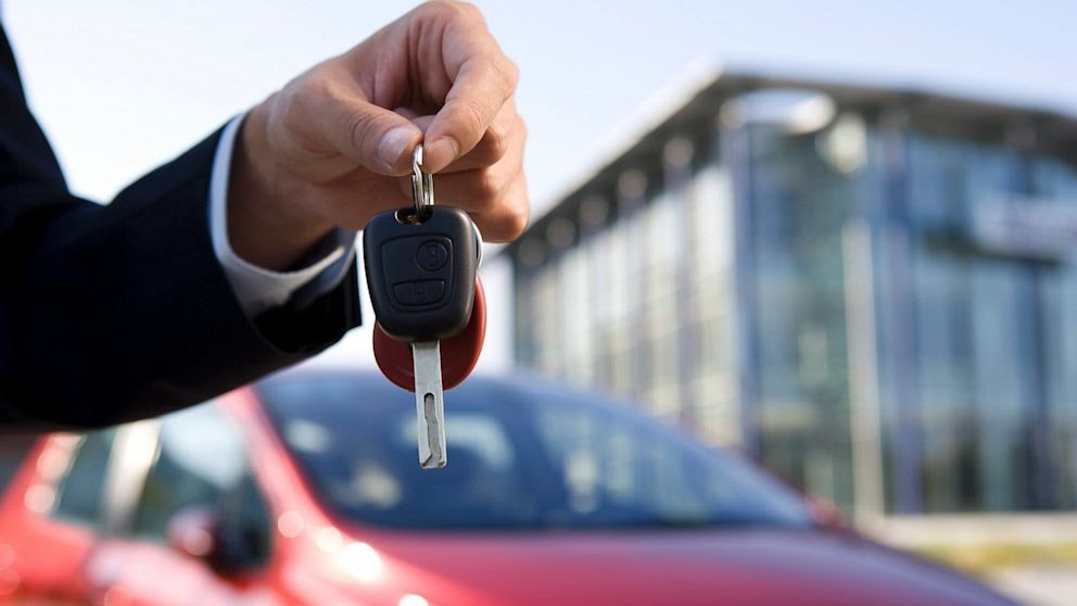 Expert Tips for Buying your First Car